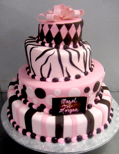 cakes-mitzvah-topsy-turvy-in-pink